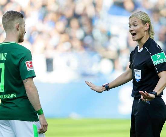 There are female officials and physios, so why not have more female coaches in the men's game?