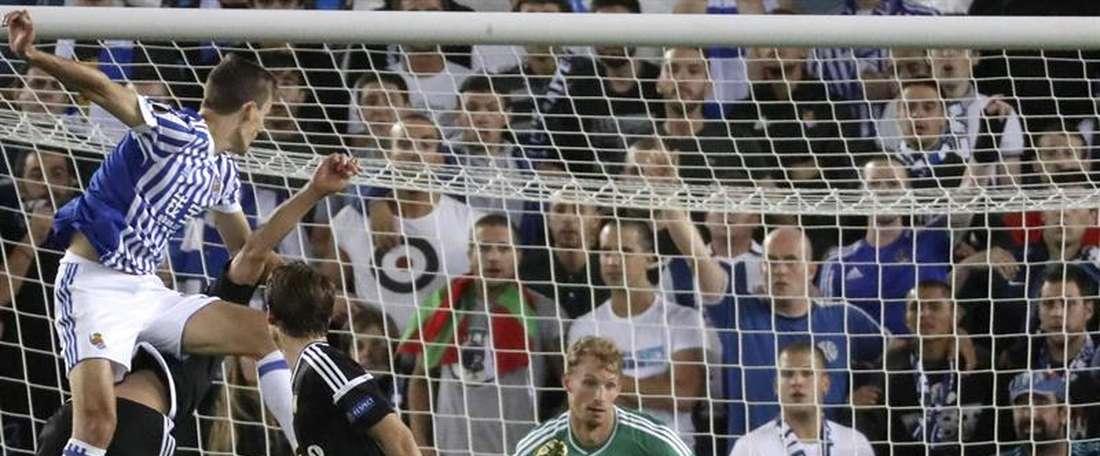 El conjunto donostiarra se llevó el partido por un contundente 4-0. EFE