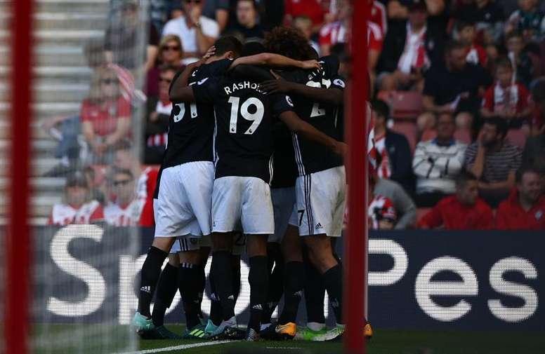United y City siguen con su impecable duelo en la Premier. EFE