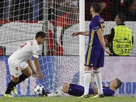 El Maribor plantó cara al Sevilla, pero terminó concediendo tres. EFE