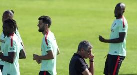 Neto fez dupla na defesa com o capitão (até à entrada de CR7), Pepe. EFE