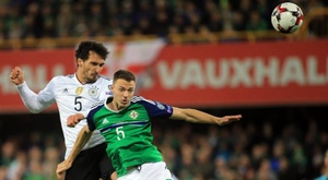 Evans insists Northern Ireland aren't a physical side. EFE