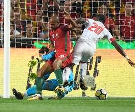 Djourou quiere ser titular contra Suecia. EFE