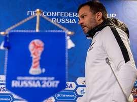 Anthony Hudson, seleccionador de los neocelandeses, cree que pueden ganar a Perú. EFE