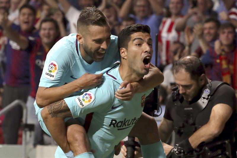 El Barcelona le niega el finiquito a Suárez