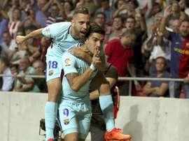 Suárez mandó callar a las gradas, un gesto que no sentó muy bien a la hinchada del Atleti. EFE
