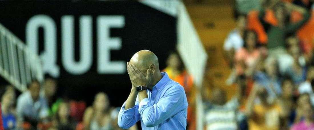 O técnico do Las Palmas está em claros maus lençóis. EFE/Archivo