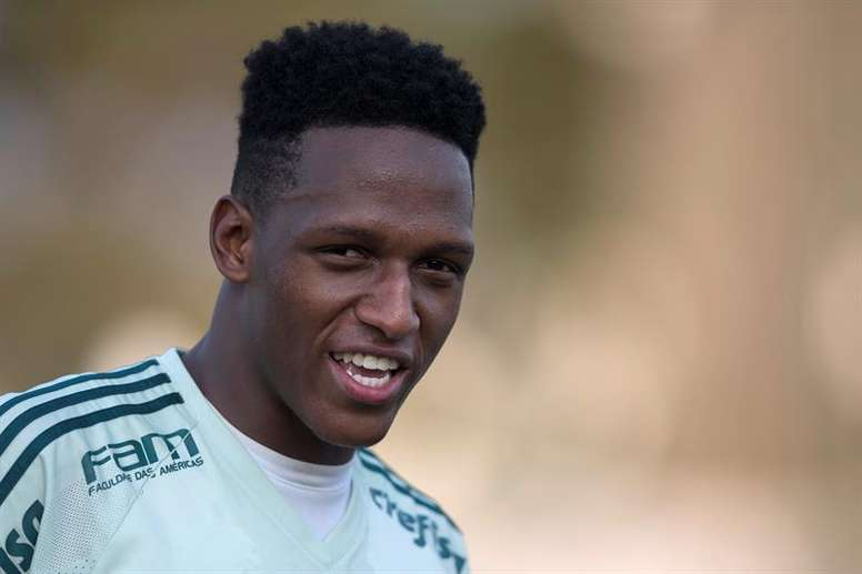 Yerry Mina has become Barca's second January signing. EFE