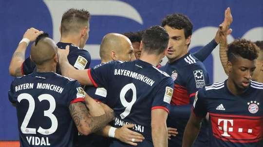 Bayern sofre mas vence. EFE