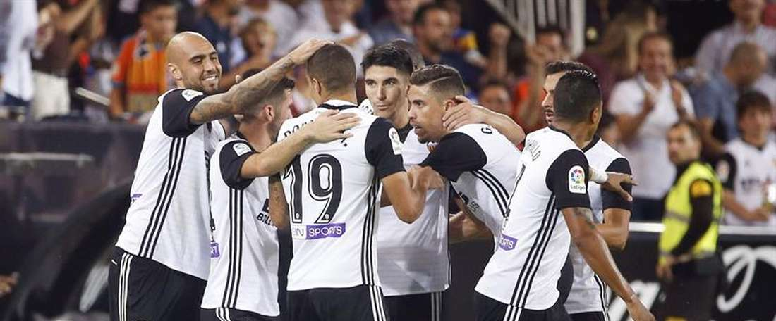 O Valencia venceu na visita ao Alavés, por 1-2. EFE