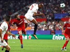 O Sevilla recebeu e venceu o Spartak, por 3-1. EFE