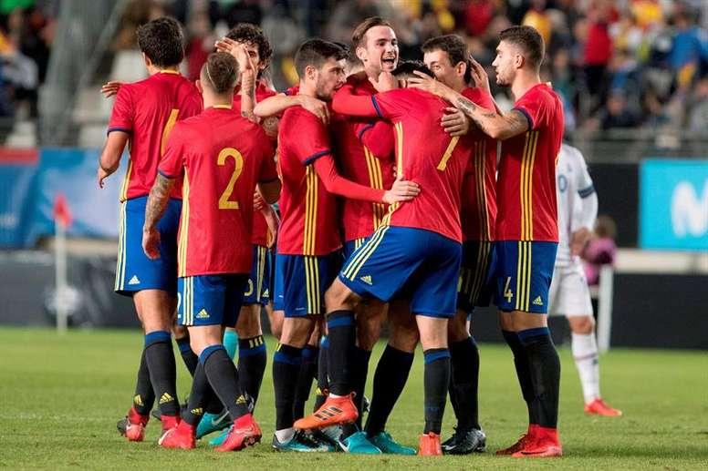 España se llevó el partido por la mínima ante Islandia (1-0). EFE