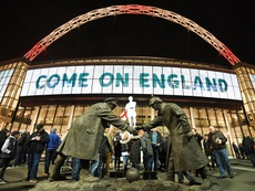 Minuto de silencio en Wembley en conmemoración del Día del Armisticio. EFE