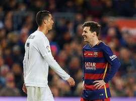 Essien a comparé Messi et Cristiano. EFE
