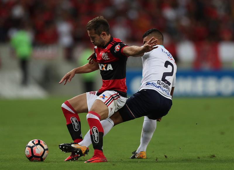 Flamengo empata com a Ponte e avança às quartas de final