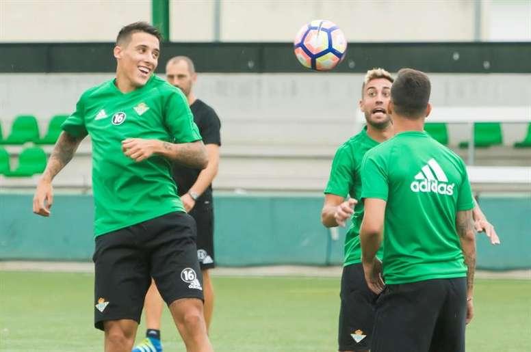 El Betis se enfrenta al Athletic en Liga. EFE