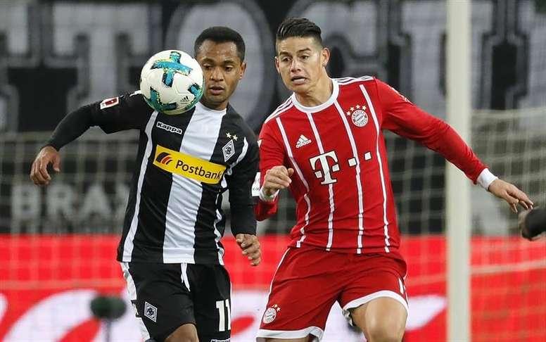 James no pudo hacer nada para evitar la derrota del Bayern. AFP