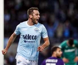 Stefan de Vrij já tem substitutos e podem vir de Portugal. EFE