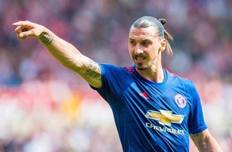 Could Besiktas and Galatasary tempt Ibra from United? EFE/Archivo