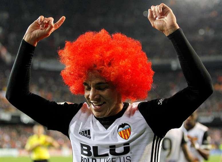 Rodrigo no asegura su continuidad en el Valencia. EFE/Archivo