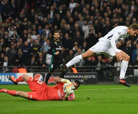 Llorente opened the scoring with his first goal for Spurs. EFE/Archivo