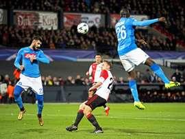 O Feyenoord recebeu e venceu o Napoli por 2-1. EFE