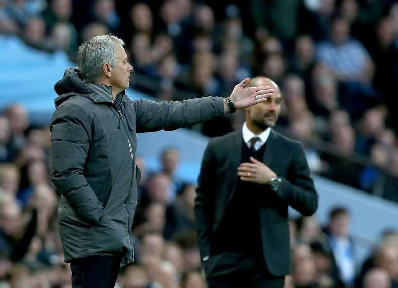 Mourinho still has more trophies than Guardiola. EFE/Archivo
