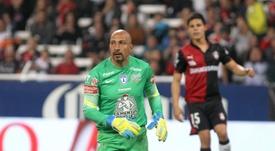 Óscar Pérez es ahora entrenador de porteros de Cruz Azul. EFE