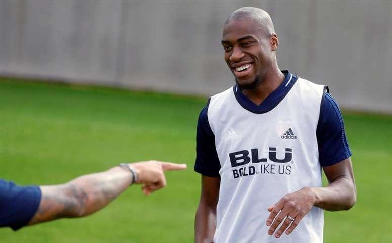 La apuesta del Valencia por Kondogbia el próximo verano no variará. EFE