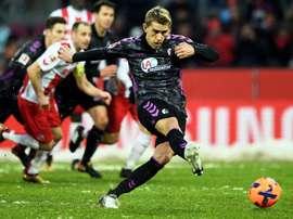 Petersen marca de grande penalidade. EFE