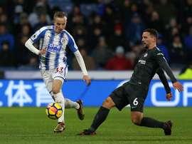 Chelsea e Huddersfield defrontam-se para a jornada 35 da Premier League.