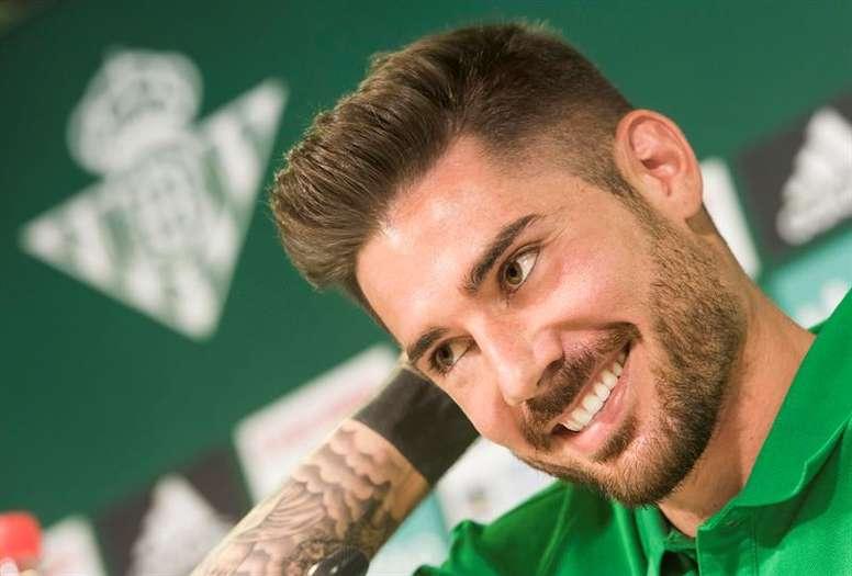 El centrocampista del Betis apunta a La Rosaleda. EFE