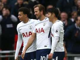 O trio responsável pelos gols londrinos desta tarde. EFE