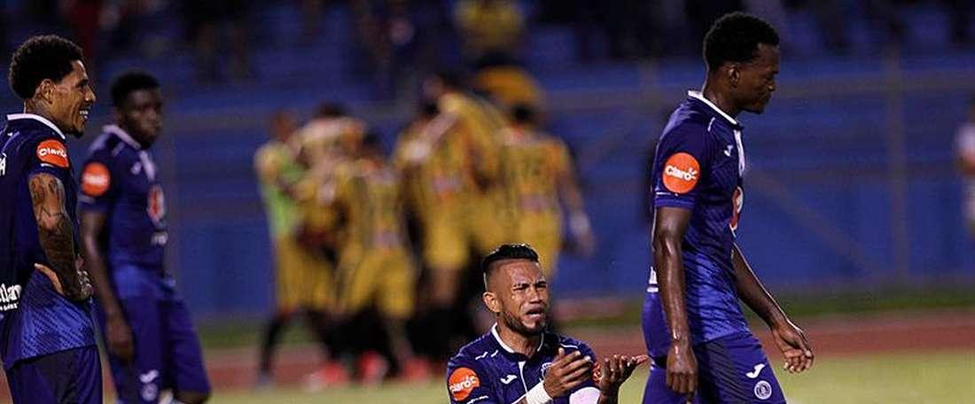 El centrocampista argentino Germán Mayenfisch jugará con el Motagua de Honduras. EFE