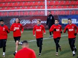 Muchos sudamericanos entre uno y otro equipo. EFE