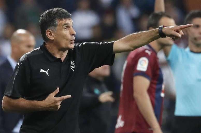 El técnico del Eibar cree que su equipo mereció la remontada en la segunda mitad. EFE