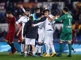 Equipe a festejar o gol solitário de Mancini. EFE