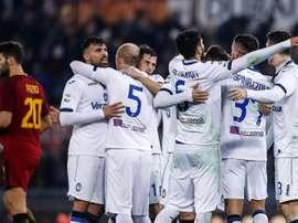 Os jogadores da Atalanta celebram um dos gols apontados à Roma. EFE