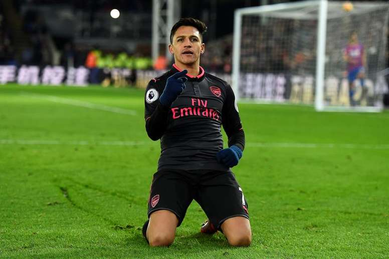 United have sensationally tried to hijack City's move for Alexis Sanchez. EFE/Archivo