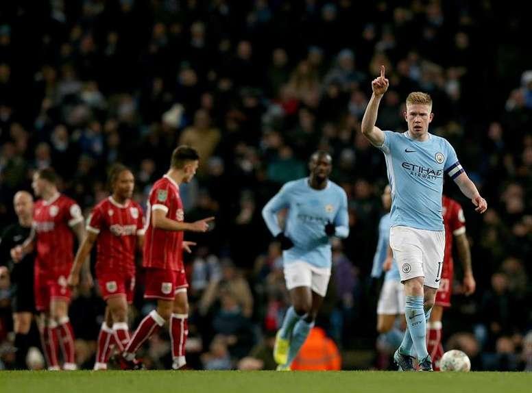 Bonito duelo entre el City y el Liverpool sin un claro favorito. EFE
