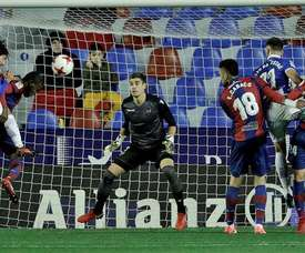 El portero cubrirá la lesión de Raúl Fernández. EFE