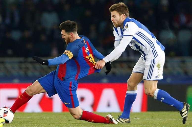 Illaramendi tentera d'arrêter Messi une nouvelle fois. EFE
