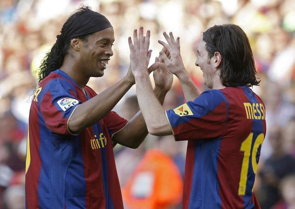 Ronaldinho no ocultó su felicidad por Messi. EFE
