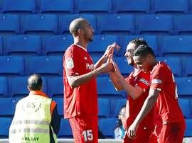 Sarabia celebra, com os companheiros, o gol que apontou. EFE
