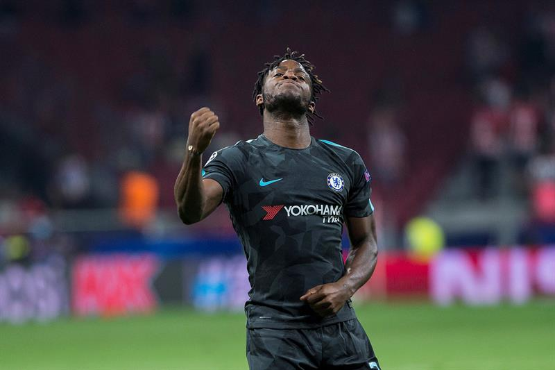 Giroud ficha por el Chelsea y Batshuayi es cedido al Dortmund
