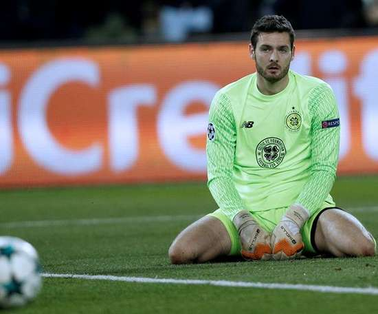 Craig Gordon will pull out of the Scotland squad. EFE