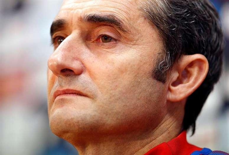 Valverde chamou Piqué e Dembélé. EFE