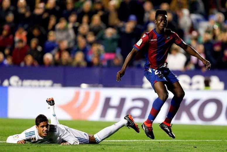 Levante volta a 'roubar' pontos ao Real Madrid