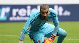 Celades confió en Jaume y se llevó cuatro goles. EFE/Archivo