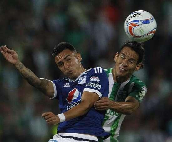 Arias se despidió de los aficionados de Nacional. EFE